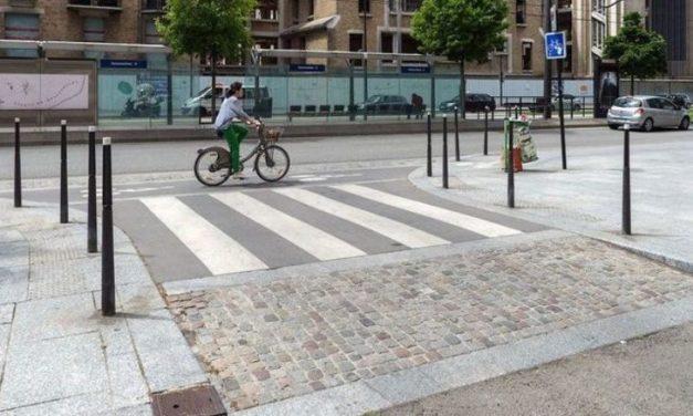 Установка столбиков перед пешеходными переходами станет обязательной