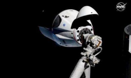 Космический корабль SpaceX успешно пристыковался к МКС