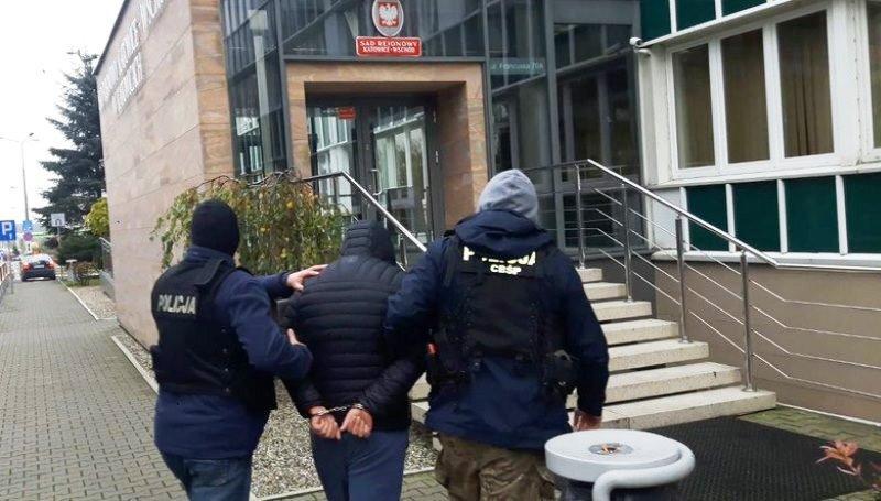 В Польше прошли задержания за организацию незаконных приглашений для украинцев
