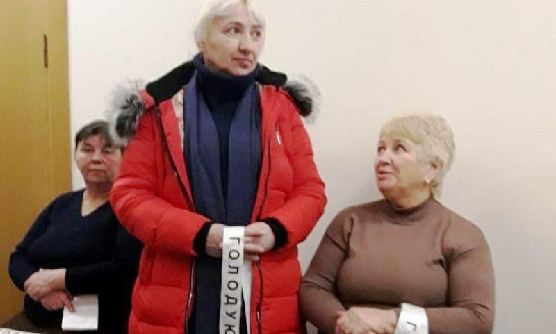Павлоградські голодувальники ночують біля кабінету голови облради