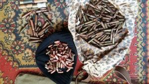 В квартирі жителям Павлограда правоохоронці виявили арсенал зброї