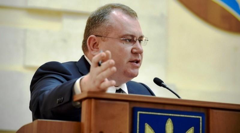 Причина отсутствия отопления в Павлограде – халатность руководства города. Так считает губернатор
