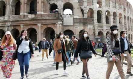 Италия закрывает все школы и университеты из-за коронавируса