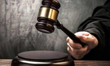 Хто навмисно порушує ухвали суду?