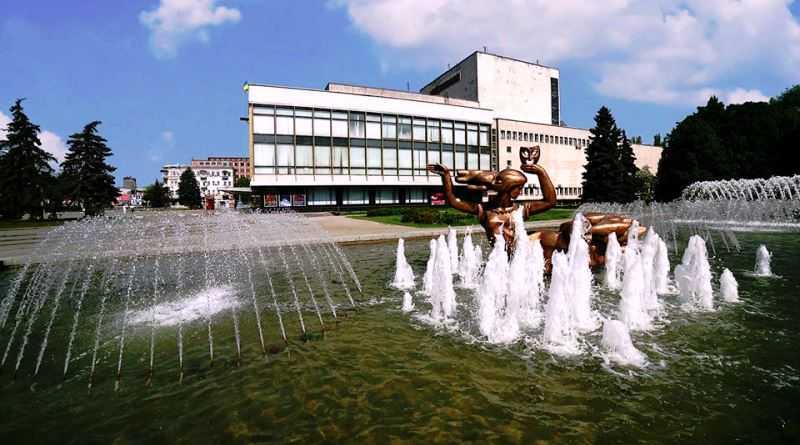 Обласні театри Дніпропетровщини відновлюють роботу
