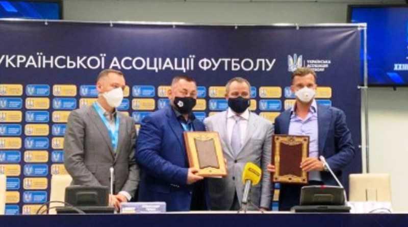 Андрей Шевченко остается тренером сборной Украины до конца 2022 года