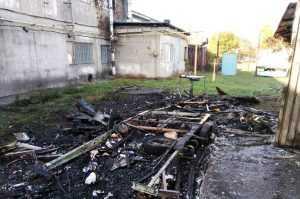 В Богуславе огнем уничтожен автомобильный трейлер и повреждено здание (ВИДЕО)