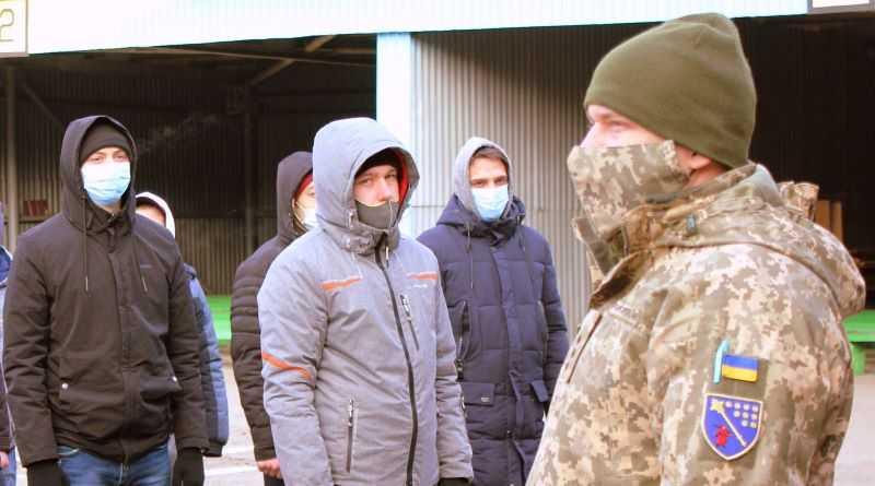 Осенний призыв с Днепропетровщины на срочную службу – 1265 молодых людей, область среди лидеров по стране