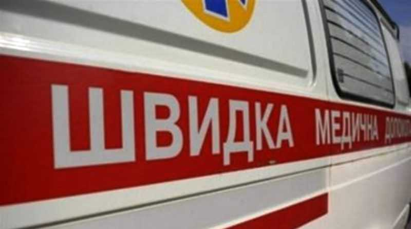 В Павлограде карета скорой помощи съехала в кювет и застряла в снежном заносе