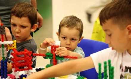 Ученики павлоградской общеобразовательной школы №17 получат бесплатные конструкторы LEGO: школа выиграла Грант