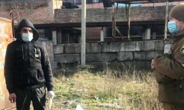 Кололся за гаражами: в Павлограде наркомана поймали на «горячем»