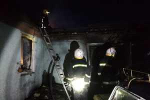 В Павлограде на пожаре в жилом доме погиб человек, двух женщин спасли пожарные