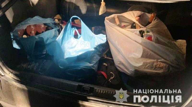 Два павлоградца совершили разбойное нападение на владельца магазина в Богуславе