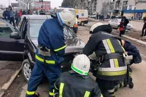 ДТПна пересечении улиц Западнодонбасская и Днепровская