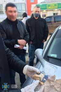 В центре Павлограда сотрудники СБУ задержали полицейских, которые продавали амфетамин