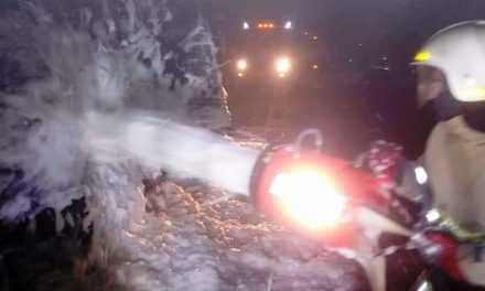 В Булаховке спасатели ликвидировали пожар в грузовом автомобиле