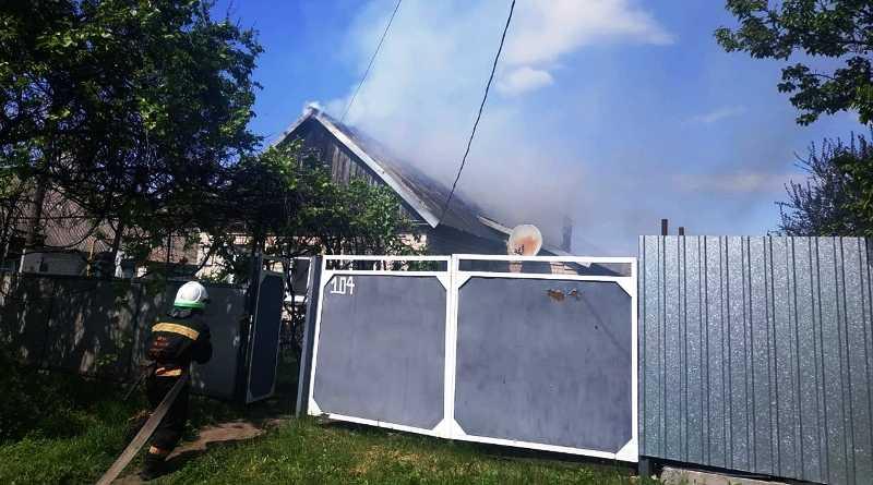 В Межиричах спасатели ликвидировали пожар в жилом доме