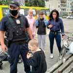 Голодный и раздетый: в Павлограде на улице нашли маленького мальчика