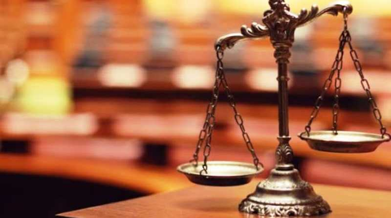 В павлоградском суде полицейский отказался надевать защитную маску