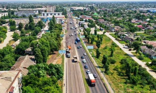 Асфальт на ул. Днепровской будут укладывать ночью, чтобы не мешать движению автомобилей