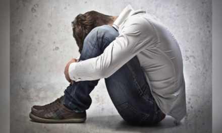 В Павлограде молодой мужчина, угрожая физической расправой, изнасиловал 15-летнего парня