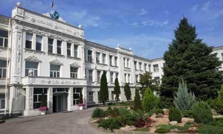 На Павлоградском химическом заводе под сокращение могут попасть около 200 сотрудников